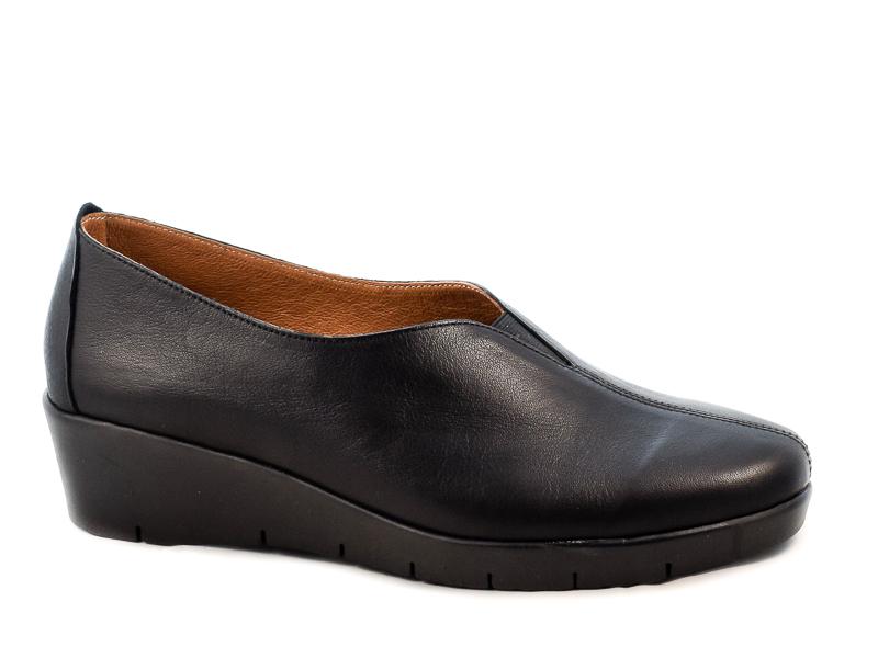 Γυναικεία Δερμάτινα Παπούτσια Με Αερόσολα YF155 Μαύρο