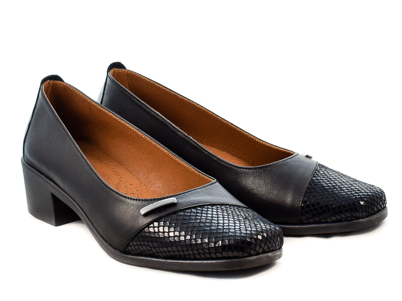 Γυναικεία Δερμάτινα Παπούτσια Με Αερόσολα Υφαντίδης YF118 Μαύρο